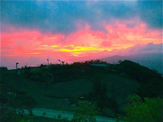 Vista Valverde Bed & Breakfast: Sunset from cabin