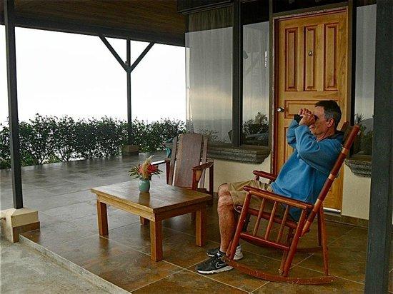 Vista Valverde Bed & Breakfast: Outdoor patio at the cabin