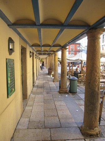 Plaza del Fontan : Soportal
