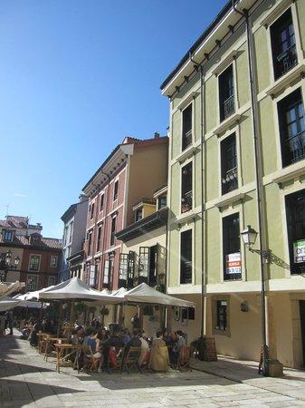 Plaza del Fontan : Edificios en la plaza