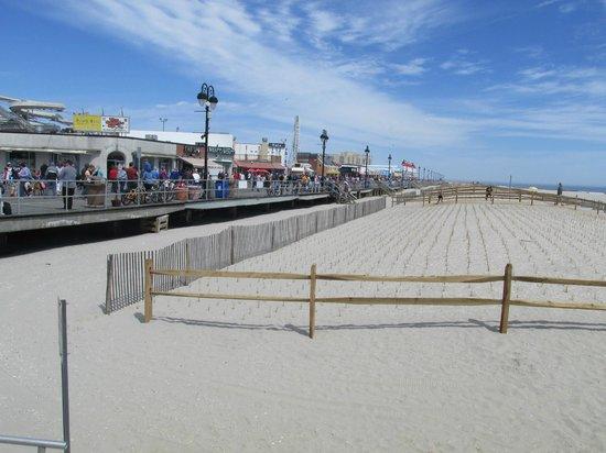 Ocean City Boardwalk: Boardwalk meets the beach