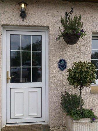 Aaron Glen : Main door.