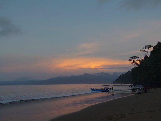 Playa de Oro Lodge : Atardecer
