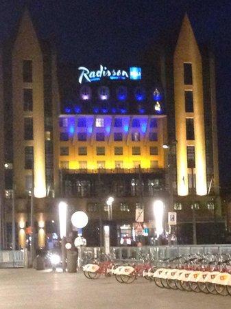 Radisson Blu Astrid Hotel, Antwerp: L'esterno