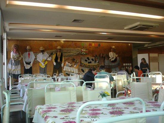 Praiatur Hotel Florianopolis: Restaurante charmoso.
