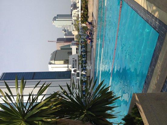 Trinity Silom Hotel : Pool at glow trinity