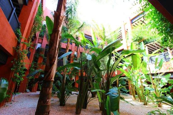 SENTIDO Kenzi Menara Palace : patio
