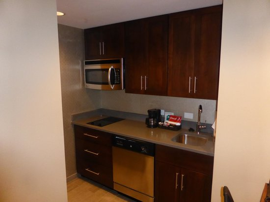 Homewood Suites by Hilton Springfield: Kitchen