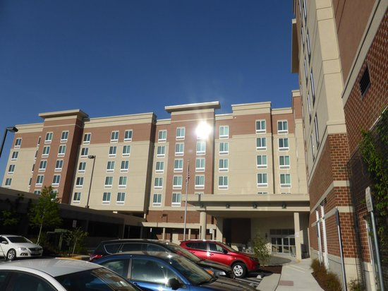Homewood Suites by Hilton Springfield: Outside