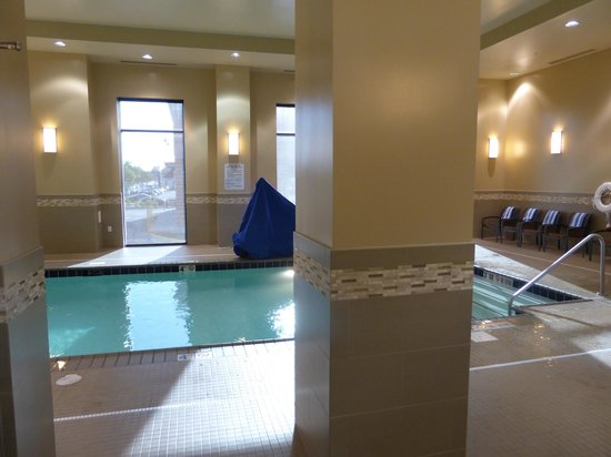 Homewood Suites by Hilton Springfield: Small pool