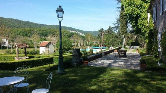 Maison d'hotes Redon : La vue depuis le jardin