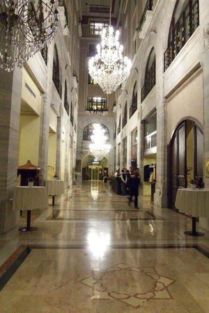 Legacy Ottoman Hotel: Lobby Front Desk