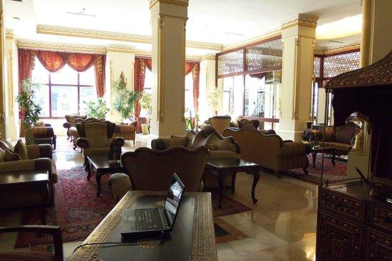 Legacy Ottoman Hotel: Lobby Seating