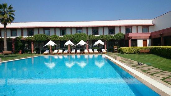 Trident, Agra: Pool area
