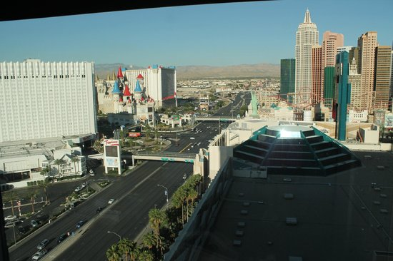 MGM Grand Hotel and Casino : View from hotel room