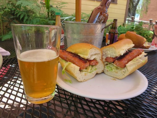 New Orleans Creole Cafe: Sandwich is better than it appears