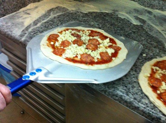 Pizzeria IL Siciliano: Pizza Pepperoni(salamino piccante)