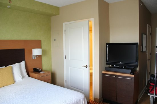 TownePlace Suites Arundel Mills BWI Airport : Living room/bedroom