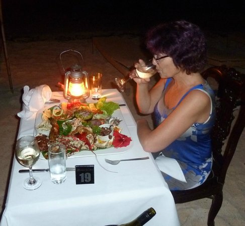 Breakas Beach Resort Vanuatu : Spectacular seafood platter on the beach