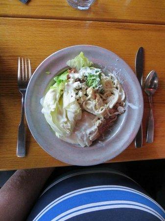 Cork 'n Cleaver Restaurant: Salad Bar