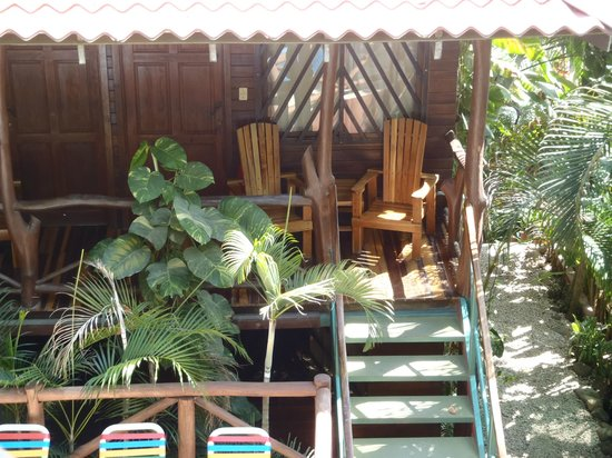 Hotel Raratonga: View down to other rooms/suites
