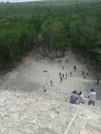 Ruinas de Coba: Cuidado con la bajada