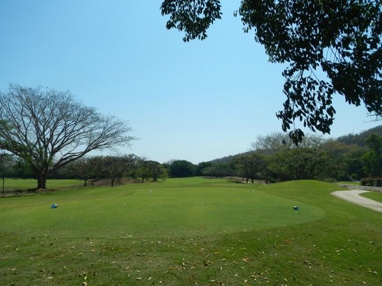 Campo de Golf Tangolunda: Fairway 1