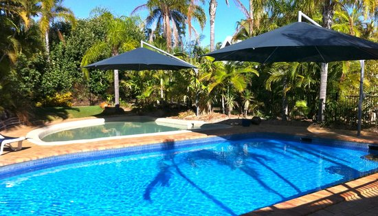 Kelly's Beach Resort: Kellys Beach Resort Bargara Pool Area