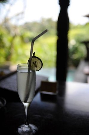 Bidadari Private Villas & Retreat: welcome drink