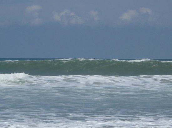 Playa Santa Teresa : Waves
