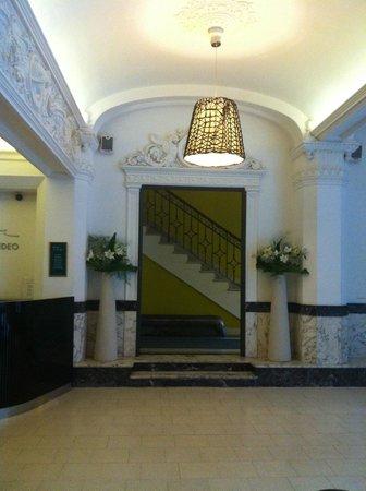 Esplendor Hotel Cervantes: Acesso aos elevadores