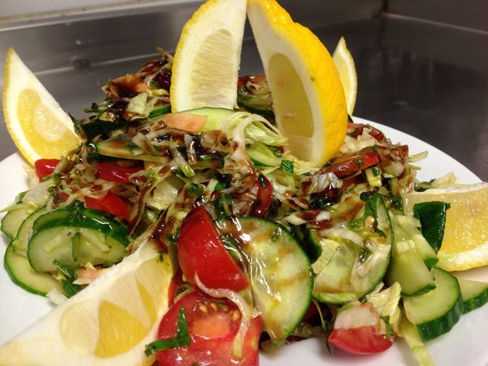The Palm Tree: Mediterranean salad !!