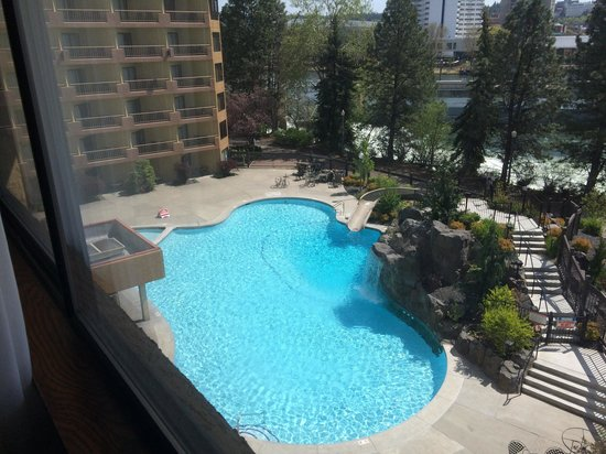 Hotel RL by Red Lion Spokane at the Park : Wonderful view of the pool. Too bad all we could do was look at it  :(