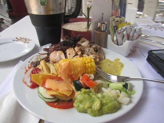 Grand Bahia Principe Jamaica: lunch!
