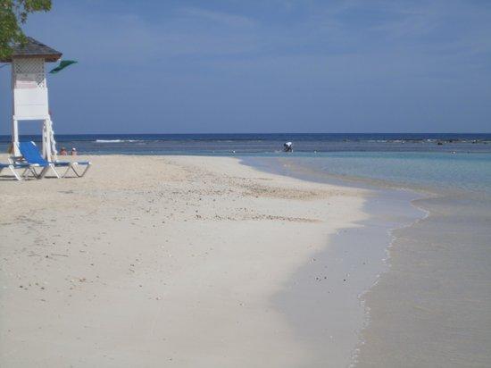 Grand Bahia Principe Jamaica: nice area of the beach, to the left of the resort