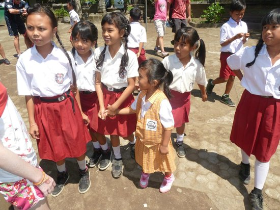 Bali Bike Baik Cycling Tours: School children