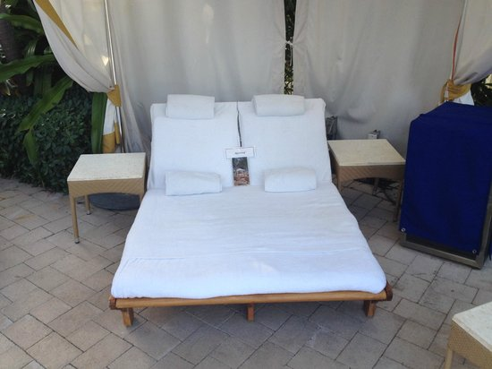 The Ritz-Carlton Key Biscayne, Miami: Cabana @ Adult Pool