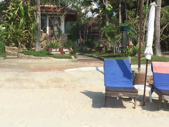 Chaweng Buri Resort: Beach and Family Room proximity