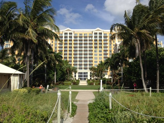 The Ritz-Carlton Key Biscayne, Miami : Hotel from the Beach