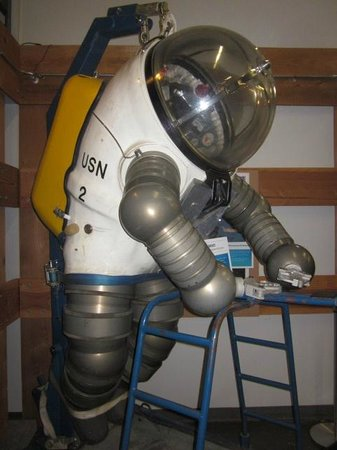 U.S. Naval Undersea Museum: A JIM suit
