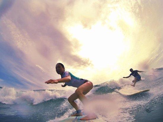 Tortuga Surf School: Chris and the Moonwalker lol