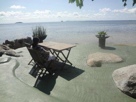 Bintan Agro Beach Resort: Relaxing area