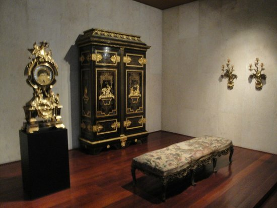 Calouste Gulbenkian Museum - Founder's Collection: Furniture from Versailles