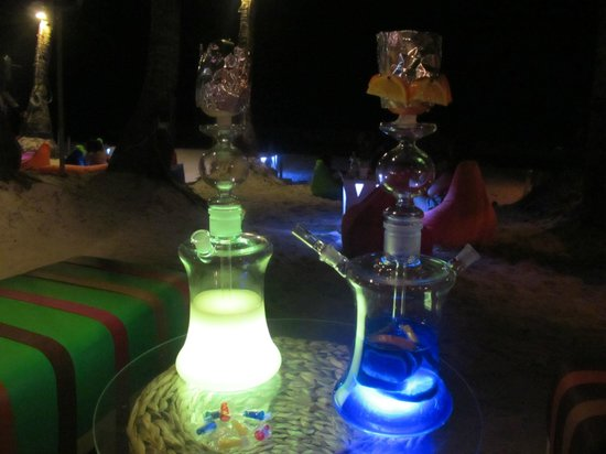 Aplaya the Beach Bar & Italian Restaurant: Exclusive shisha hookah pipes