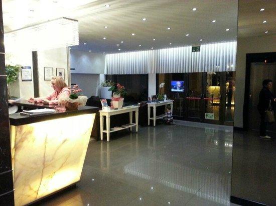Hotel Milano: Recepção