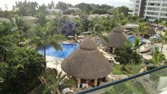 Marival Residences Luxury Resort Nuevo Vallarta : Pool Area