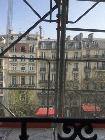Emeraude Hotel Plaza Etoile: 部屋からの眺め
