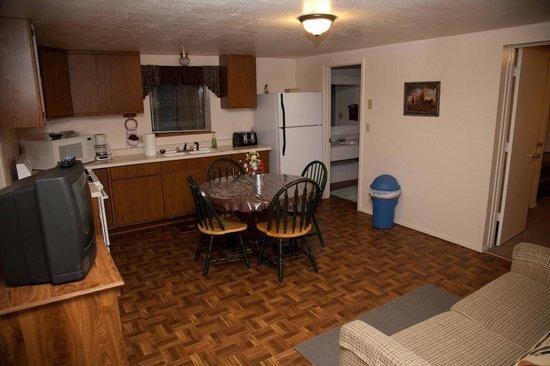 Circle K Guest Ranch: Alpine Cabin Kitchen