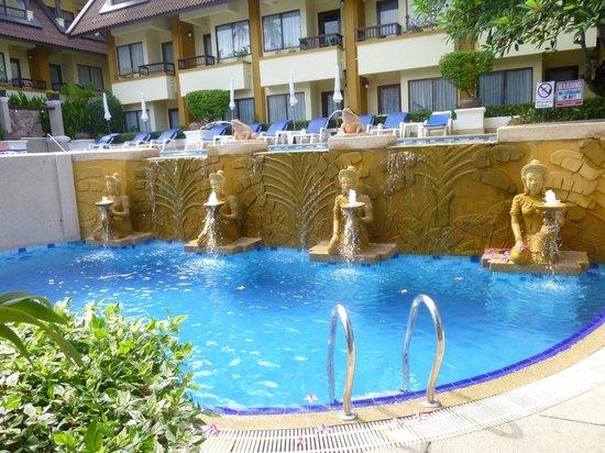 Diamond Cottage Resort & Spa : Бассейн