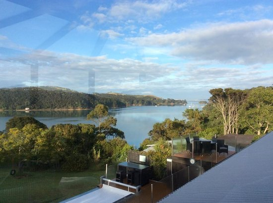 Le Chalet Waiheke Apartments : scenery from room